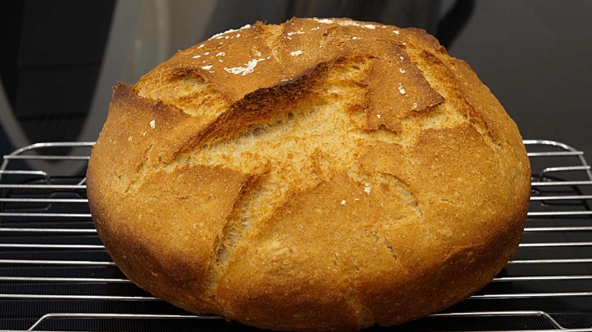 Französisches Brot im Bräter